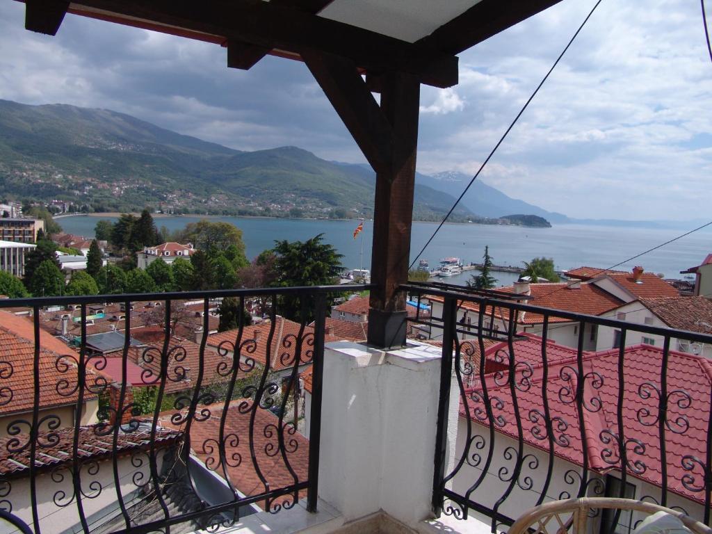 Balkonas arba terasa apgyvendinimo įstaigoje Villa Stefanija