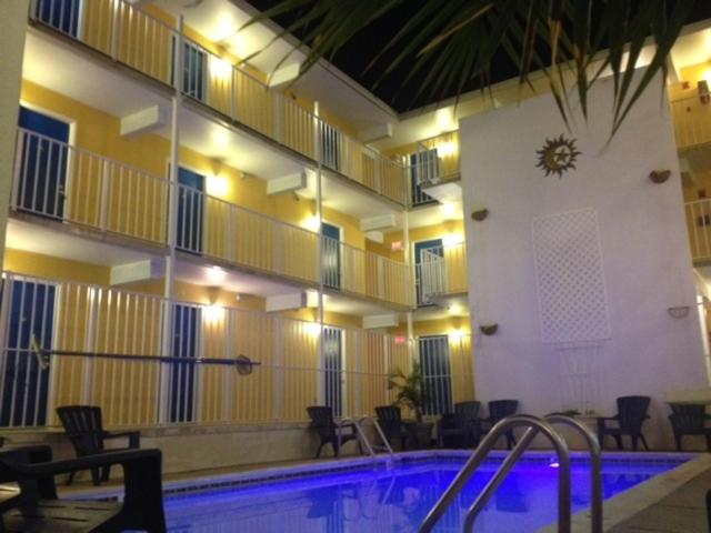 The swimming pool at or near Seaside Inn & Suites