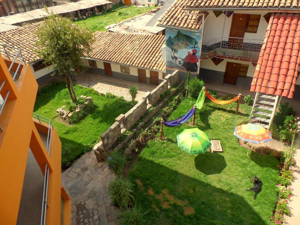 Vista de la piscina de Wake Up Cusco o alrededores