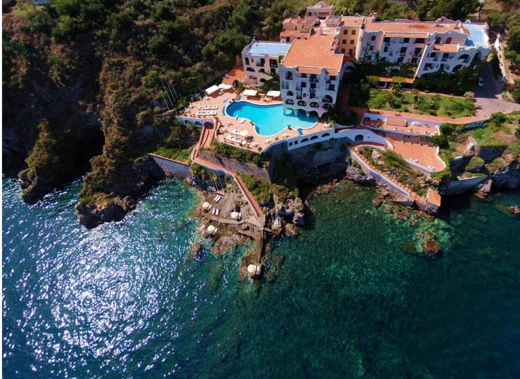 A bird's-eye view of Hotel Carasco