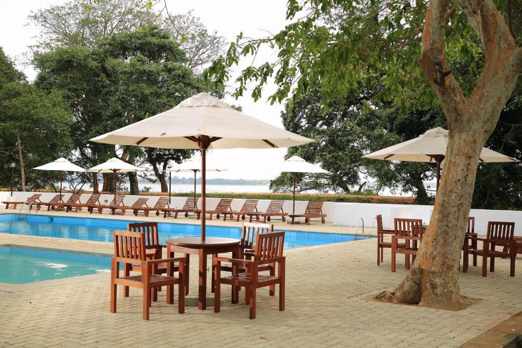 The swimming pool at or near The Lakeside at Nuwarawewa