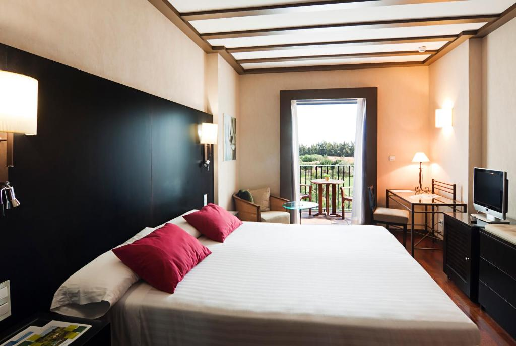 boutique hotels in huelva  59