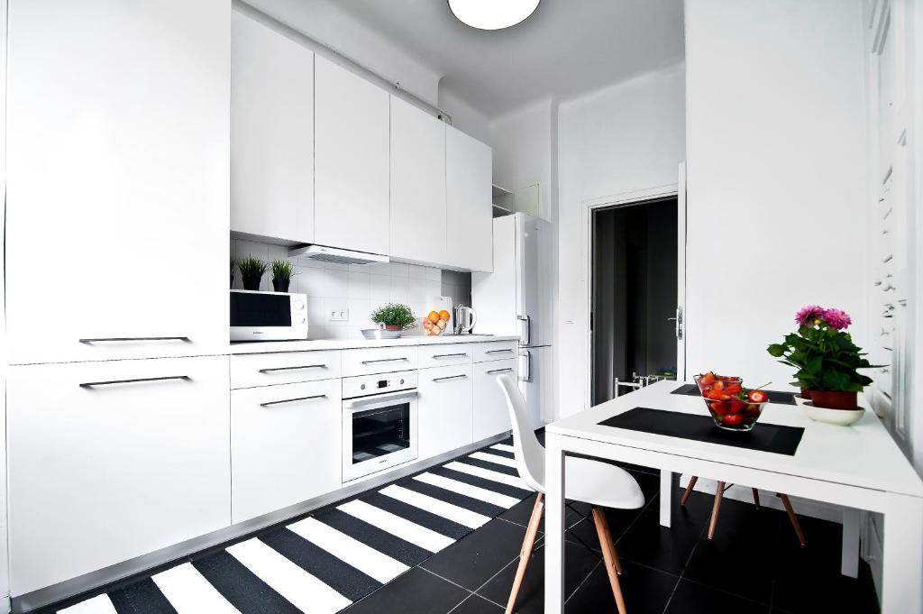 Virtuvė arba virtuvėlė apgyvendinimo įstaigoje Extra Hostel