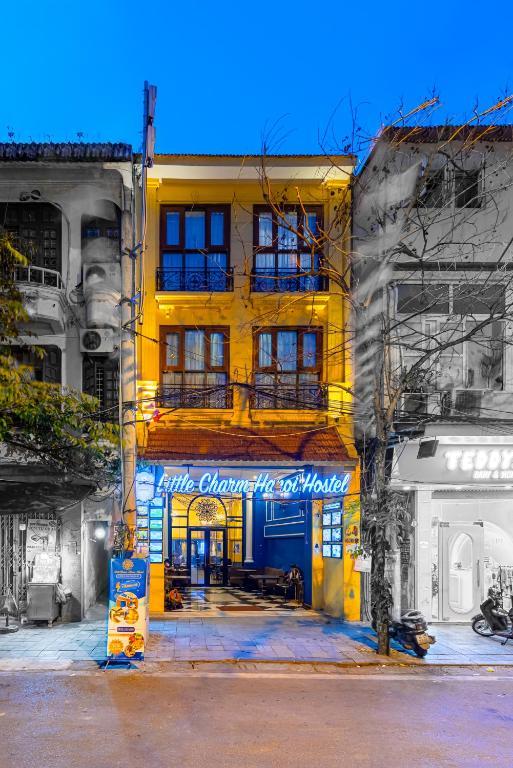 Little Charm Hanoi Hostel