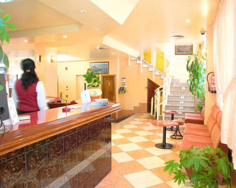 Hall ou réception de l'établissement Hotel Can-Vic