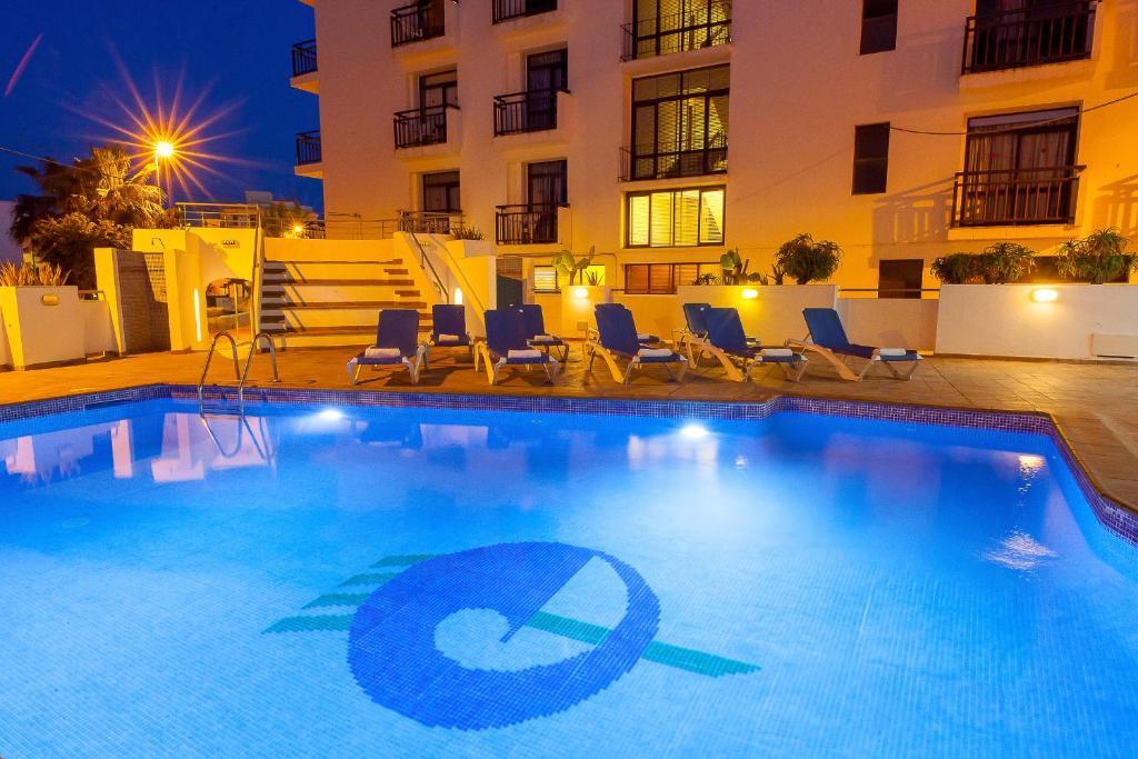 The swimming pool at or near Hotel Galera