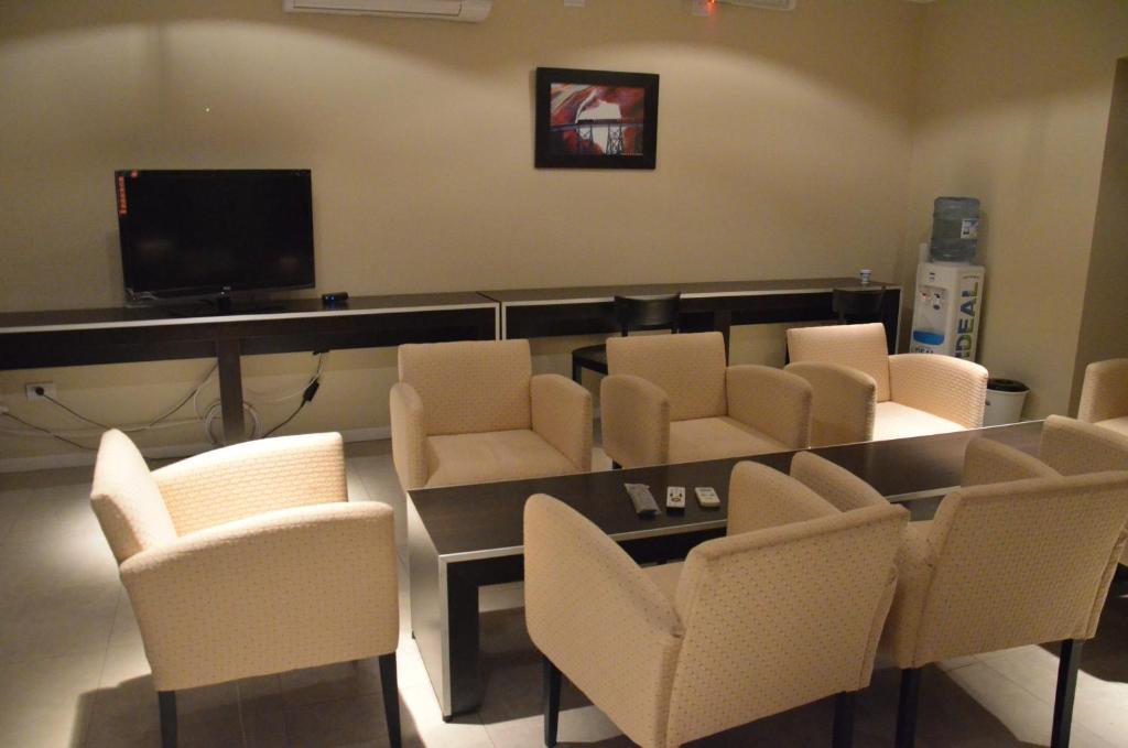 The lounge or bar area at Hotel de la Liga