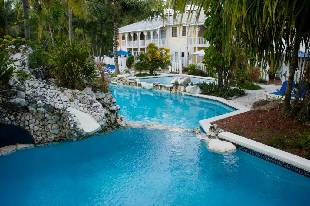 The swimming pool at or near Sunrise Beach Club and Villas - Paradise Island