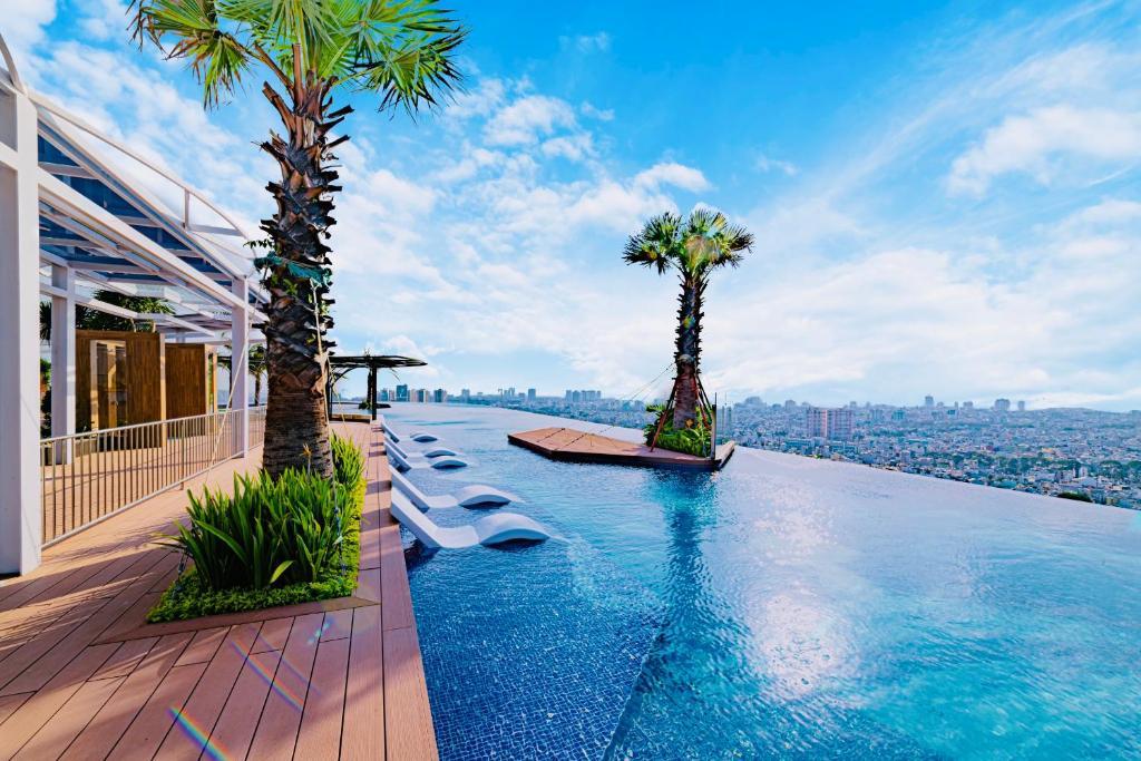 LA VELA Saigon Hotel
