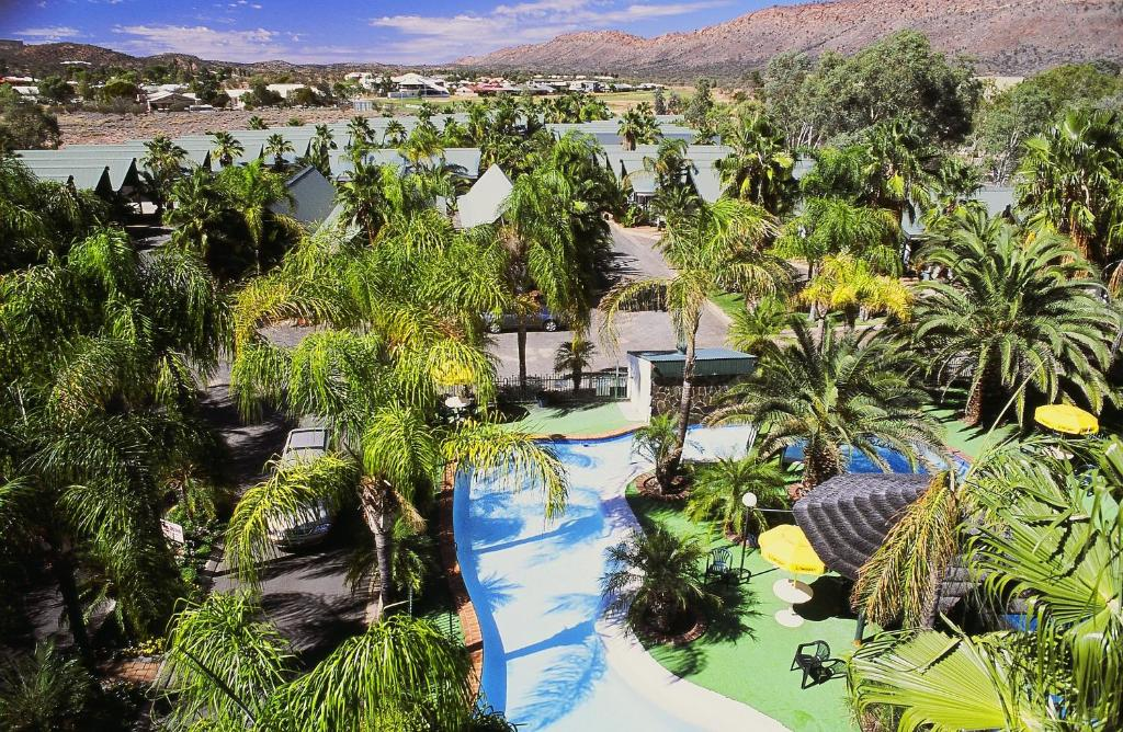 A view of the pool at Desert Palms Alice Springs or nearby