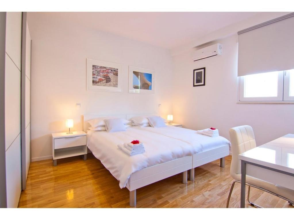 Jazz Modern Apartment Split