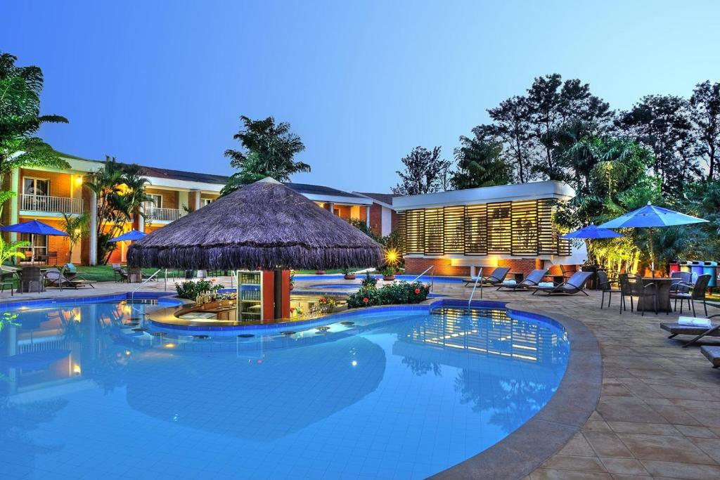 The swimming pool at or near Royal Tulip JP Ribeirão Preto