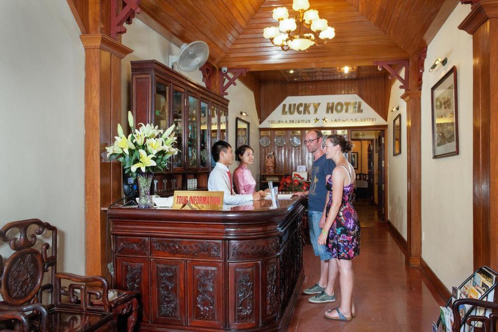 Khách sạn Lucky 1