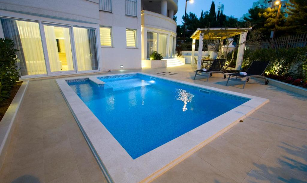 The swimming pool at or near Luxury Apartment Split