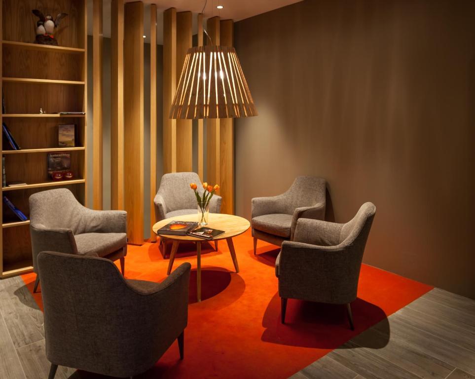 A seating area at Hotel Vestmannaeyjar