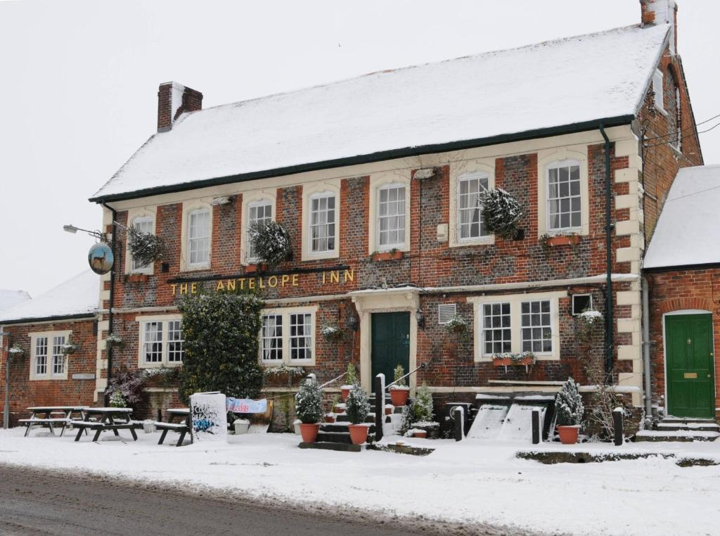 The Antelope at Upavon during the winter