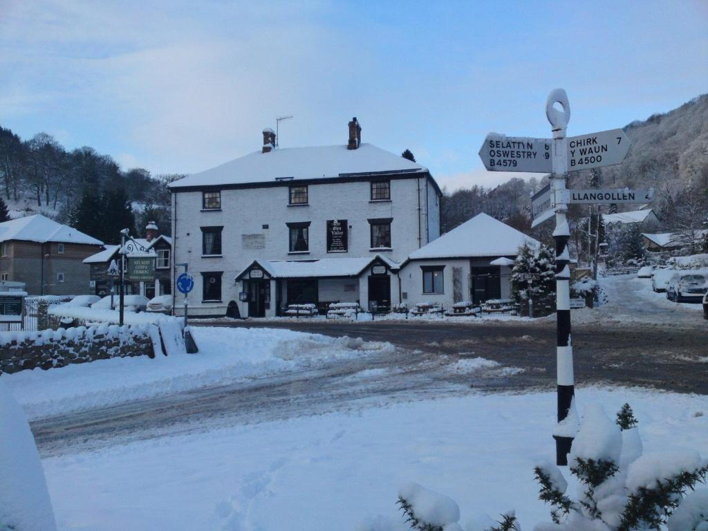 Glyn Valley Hotel during the winter