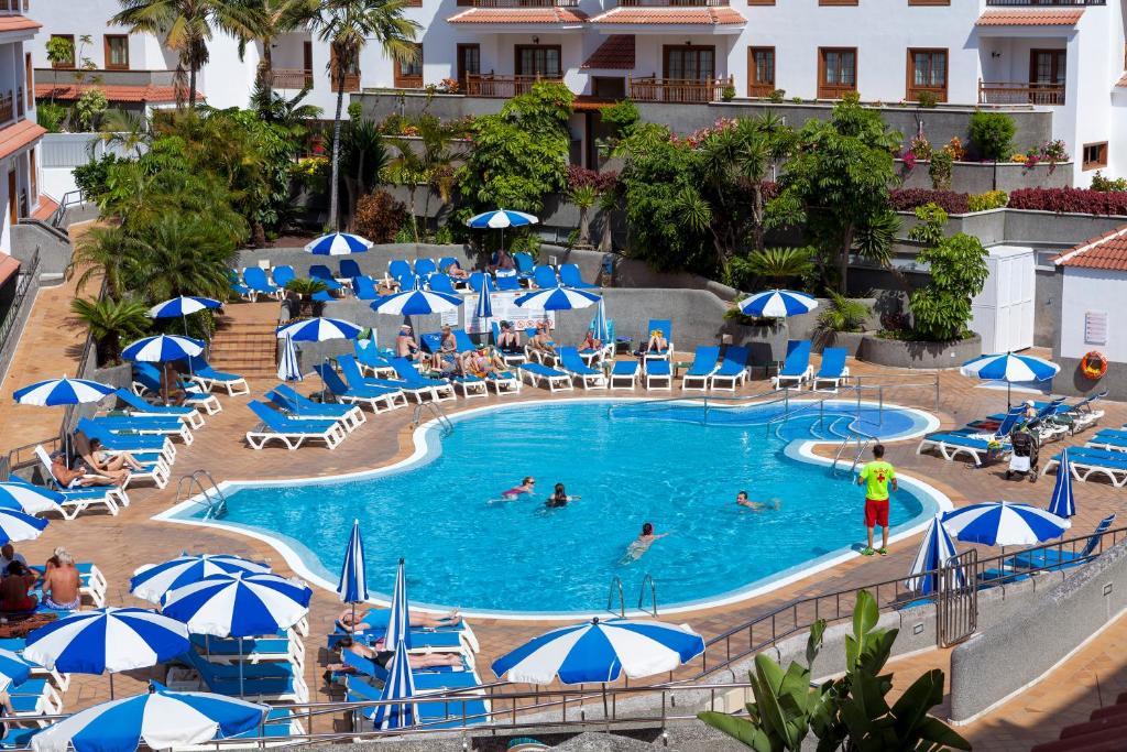 Vista de la piscina de Apartamentos Casablanca o alrededores