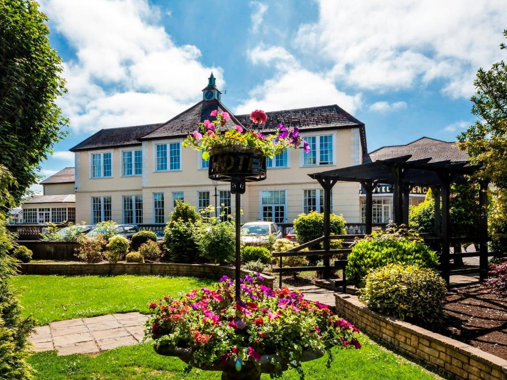 LAKESHORE HOUSE - B&B Reviews (Castleblayney, County
