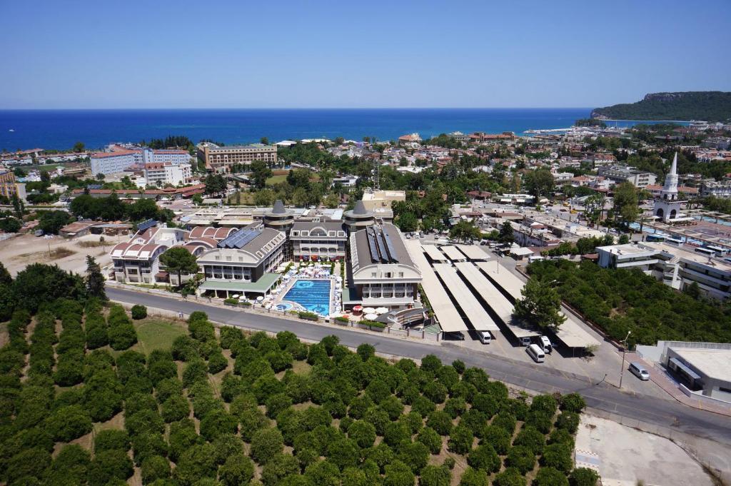 Een luchtfoto van Viking Star Hotel