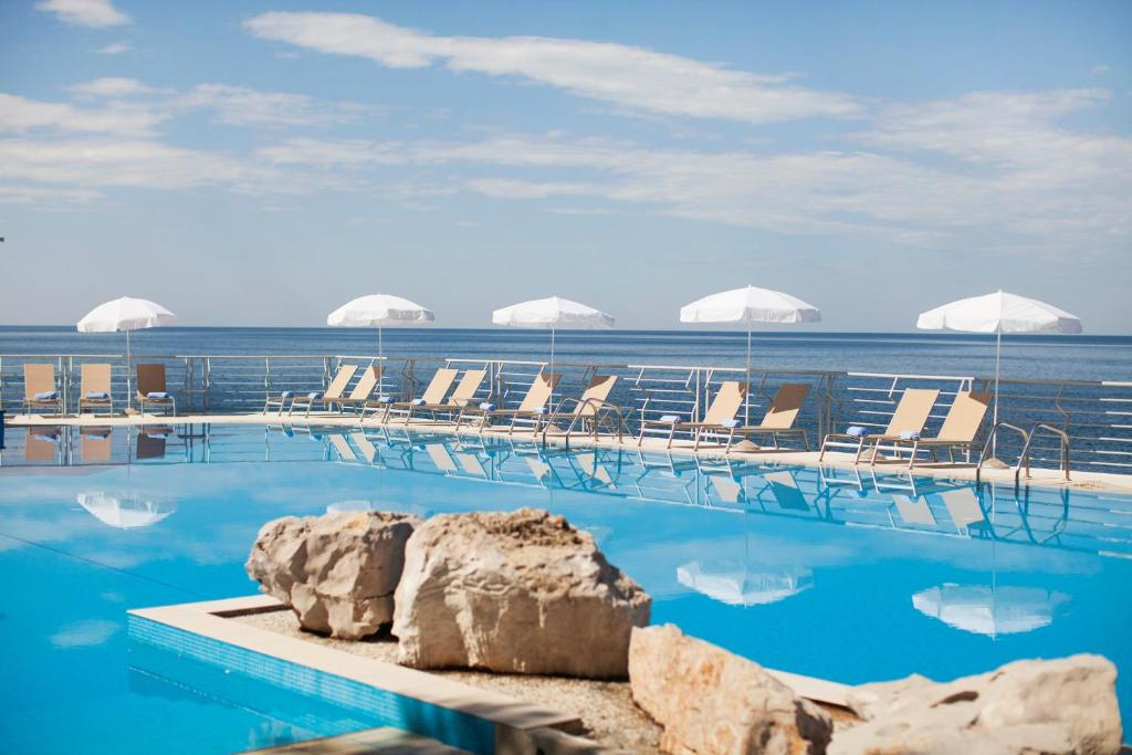 The swimming pool at or close to Hotel Dubrovnik Palace