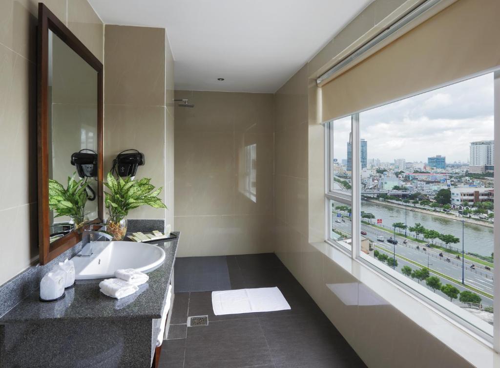 Suite 2 Phòng Ngủ Với Phòng Khách - Phòng Xông Hơi Khô & Ướt Miễn Phí