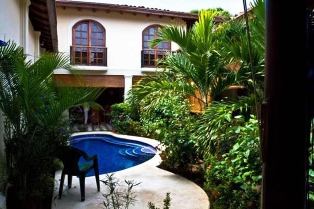 The swimming pool at or near Hotel Casa Cubana Granada Nicaragua
