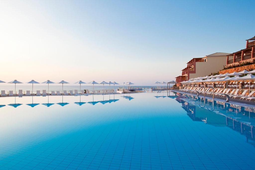 The swimming pool at or near Apostolata Island Resort and Spa