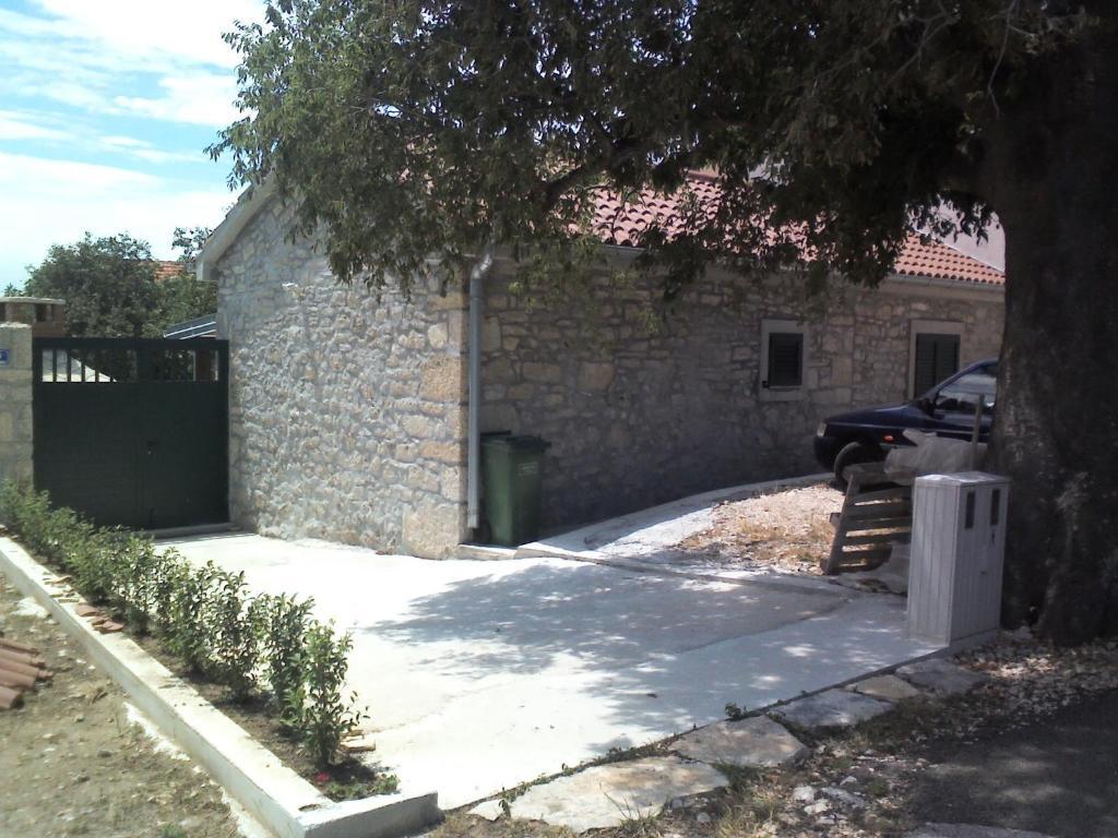Kamena kuća Rutar
