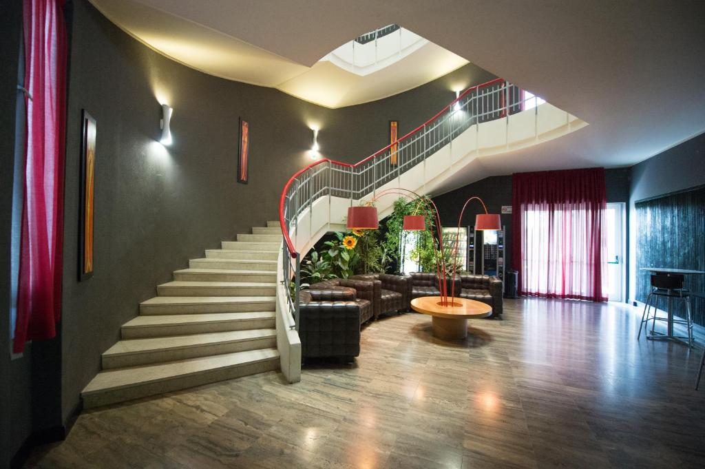The lobby or reception area at Residenza Cenisio
