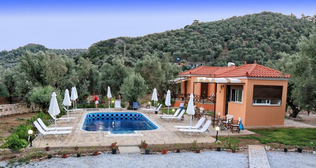 Πισίνα στο ή κοντά στο Evaland Traditional Houses