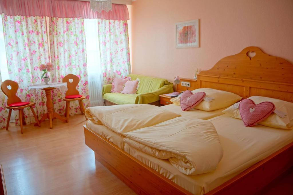 Un ou plusieurs lits dans un hébergement de l'établissement Hotel Monaco
