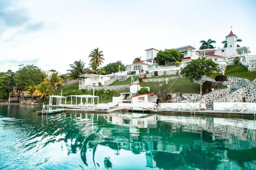 Hotel Laguna Bacalar, Mexico - Booking.com
