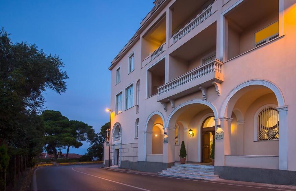 The facade or entrance of Hotel Miramare