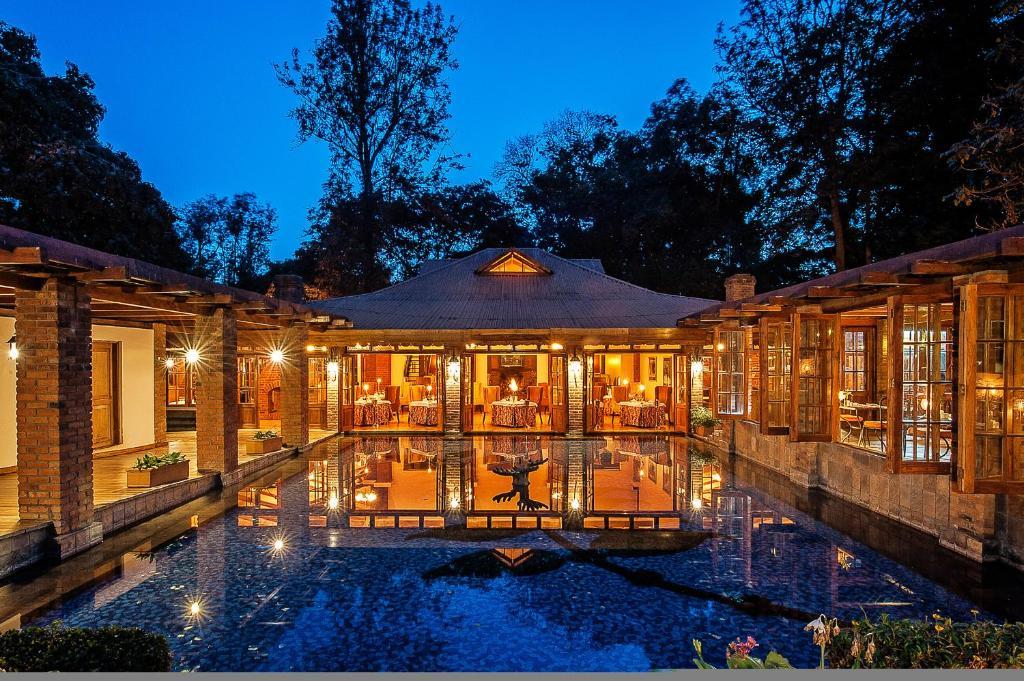 A piscina localizada em Arusha Coffee Lodge ou nos arredores