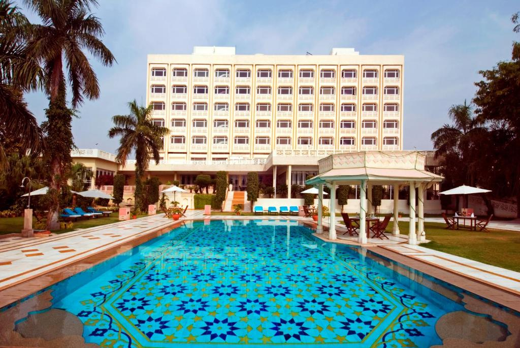 The swimming pool at or close to Tajview – IHCL SeleQtions