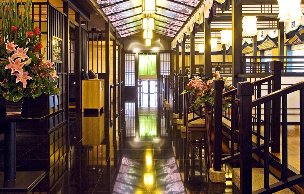 Khách sạn Lotte Legend