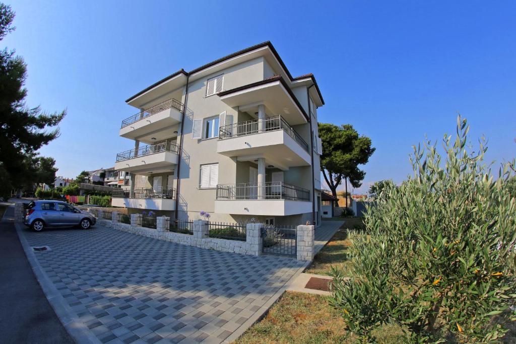 Lila Apartments 2