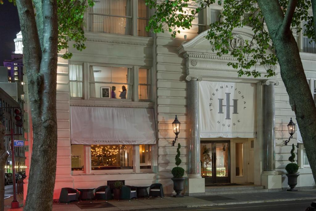 International House Hotel