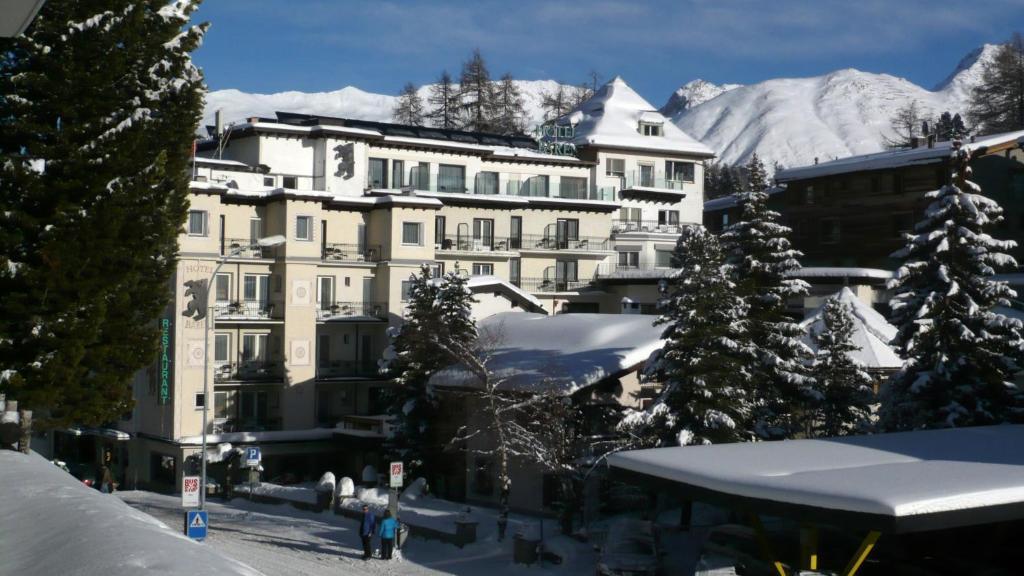 Hotel Bären during the winter