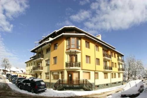 Mont Blanc Aparthotel during the winter