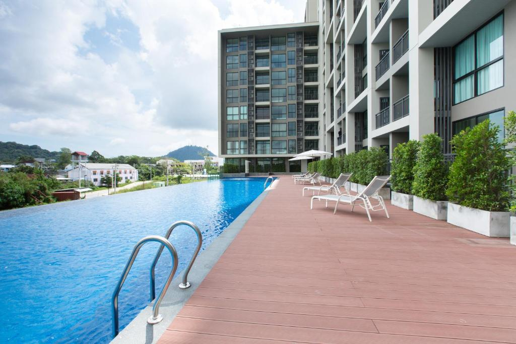 The swimming pool at or near Sugar Palm Residence