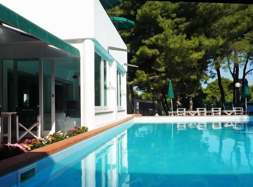 Piscina di Hotel Kyrie Isole Tremiti o nelle vicinanze