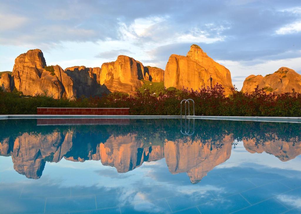 The swimming pool at or close to Meteora Hotel at Kastraki