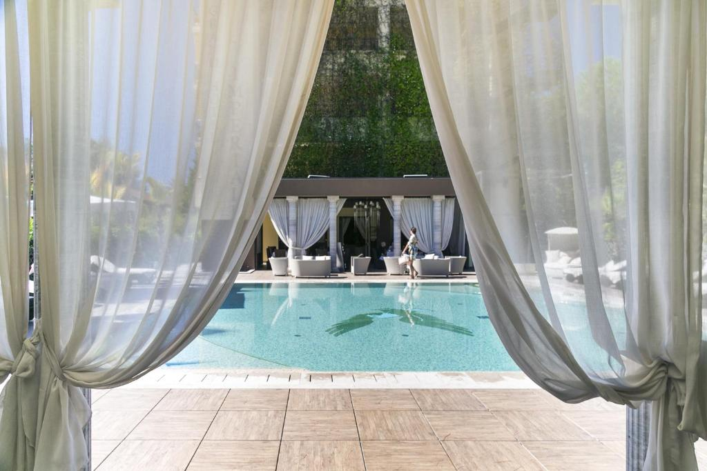 The swimming pool at or near Grand Hotel Imperiale