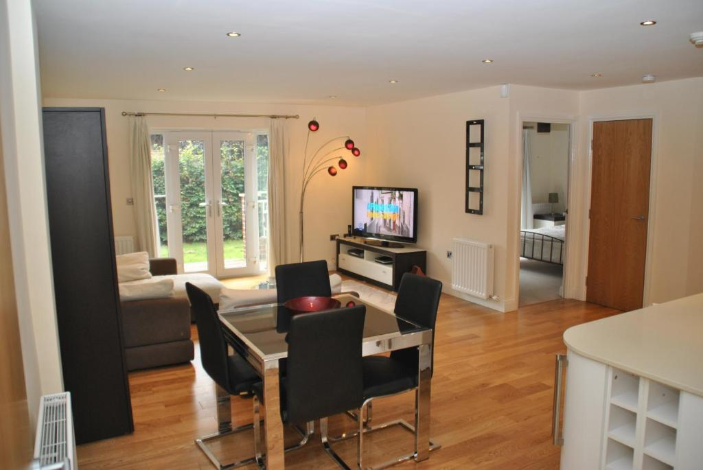 A television and/or entertainment centre at Littleacre Apartment 4