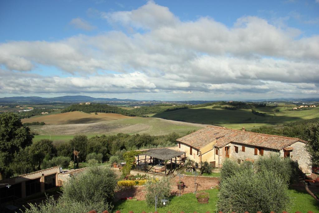 Vue panoramique sur l'établissement Antico Borgo Poggiarello