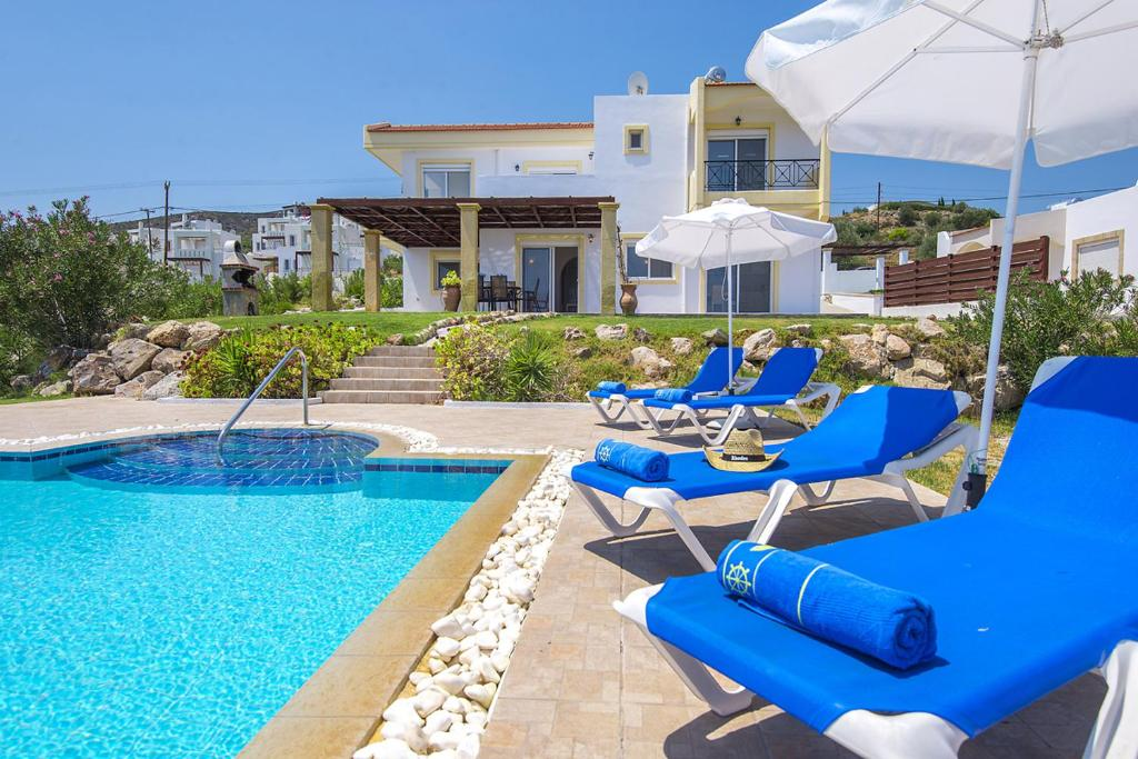 Πισίνα στο ή κοντά στο Villa Alexi