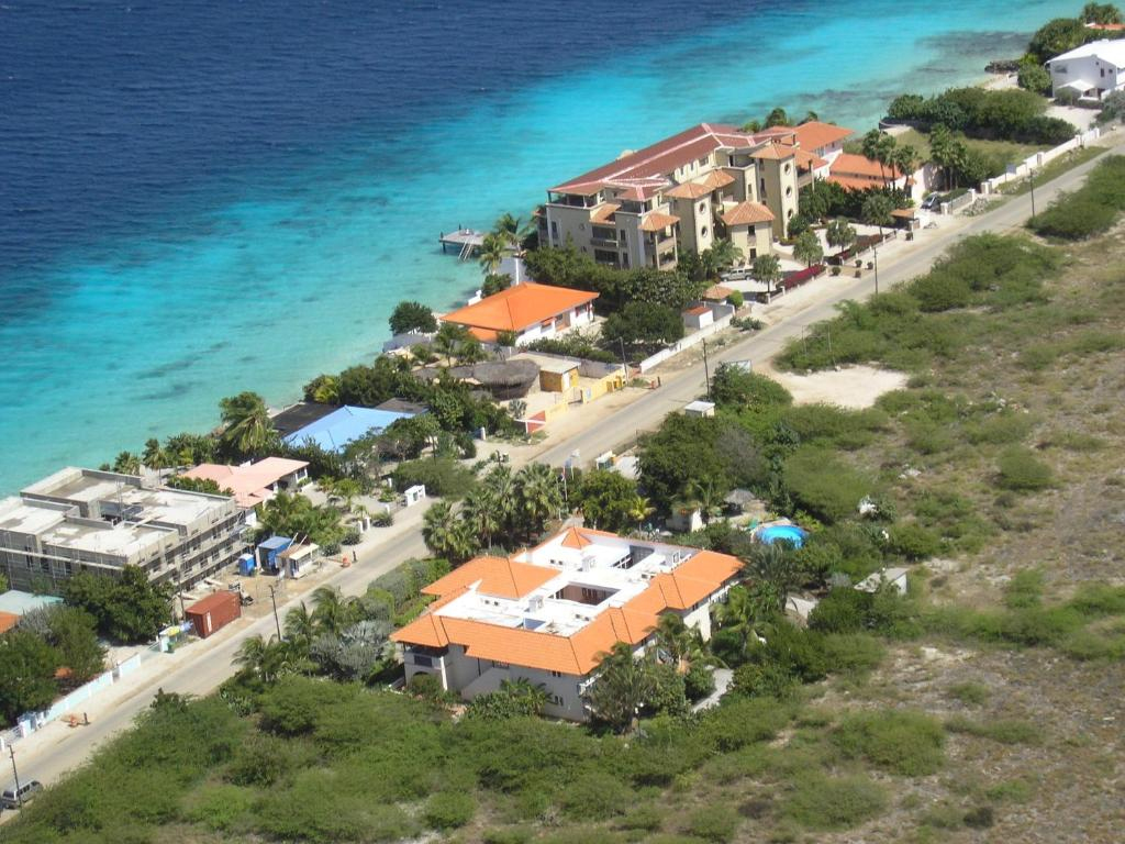 A bird's-eye view of Apartment 1 and 5 in Windsock Beach Resort