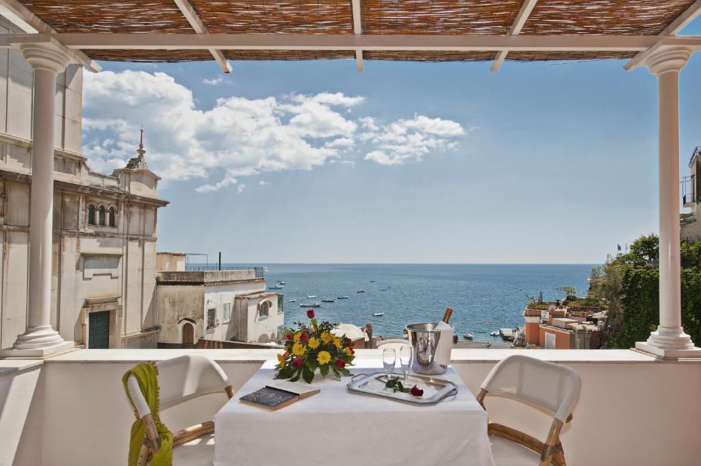 Un balcón o terraza en Villa Flavio Gioia